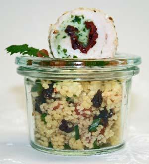Couscous-Salat mit Geflügelpraline