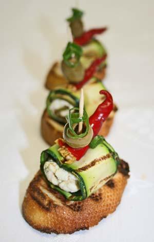 Schafskäse-Zucchini-Spieße
